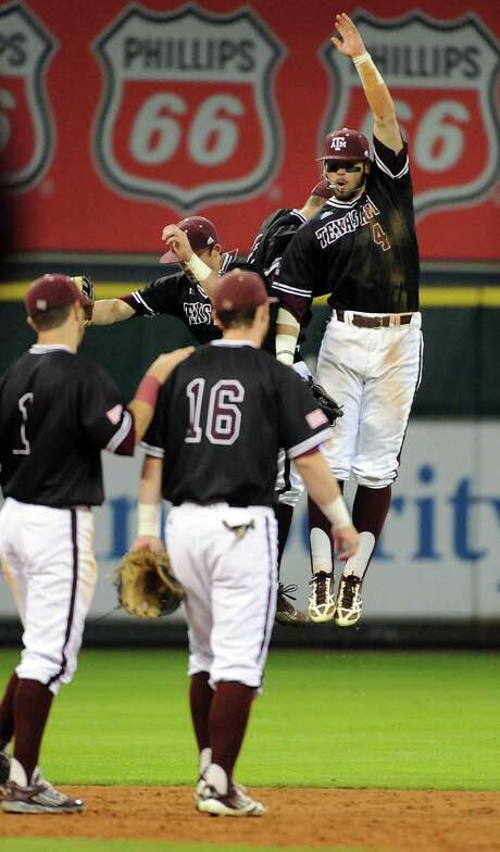 Texas A&M's Nick Banks (4), who has a .373 batting average this season, is one of the reasons the Aggies are hitting .314 as a team. Photo: Eric Christian Smith, Freelance / 2015 Eric Christian Smith