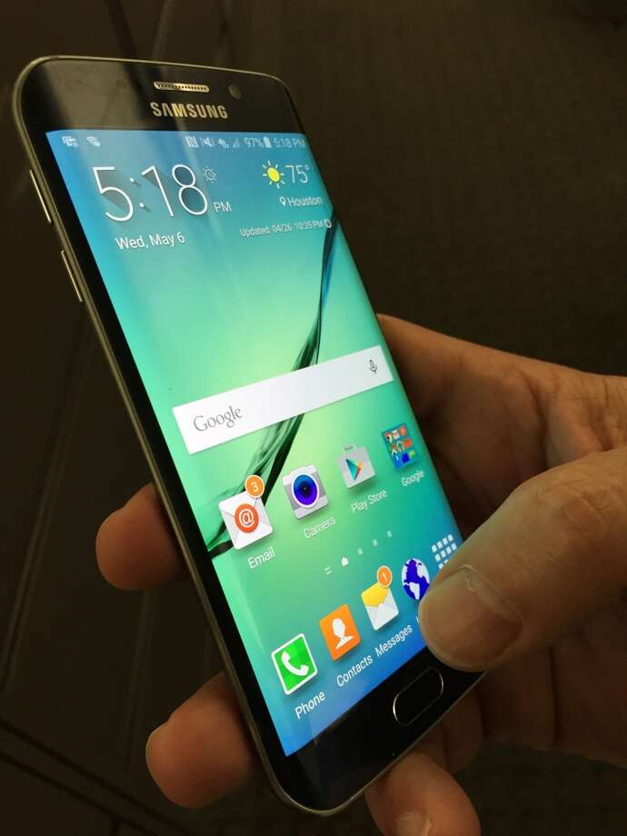 Qualcomm first lost credibility when it announced they will not supply the Samsung Galaxy S6 or the Galaxy Note 5 last year:This, coupled with some other bad news at the time, led to a real loss of confidence in the long-term prospects of Qualcomm's chip business among some investors. Photo: Dwight Silverman, Houston Chronicle