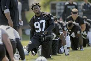 Raiders' rookies impressive on defense - Photo
