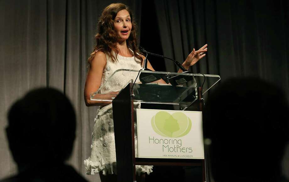 Ashley Judd, a survivor of domestic abuse, speaks at the annual luncheon of the Family Violence Prevention Services, The Battered Women and Children's Shelter, on Friday, May 8, 2015, at San Antonio Marriott Rivercenter. Photo: Bob Owen, Staff / San Antonio Express-News / San Antonio Express-News