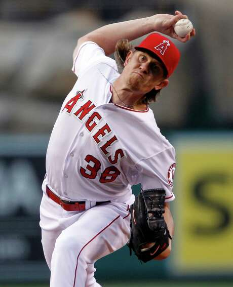 The Astros had no answer for the Angels' Jered Weaver, who did not allow a runner to reach second and gave up only six hits in getting his first win of the season. Photo: Alex Gallardo, FRE / FR170211 AP