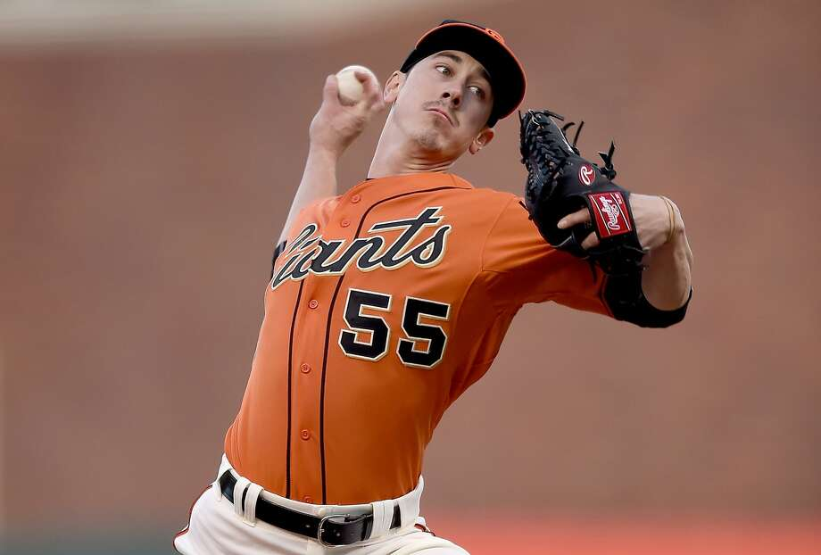 Tim Lincecum #55 of the San Francisco Giants pitches against the Miami Marlins in the top of the first inning at AT&T Park on May 8, 2015 in San Francisco, California. Photo: Thearon W. Henderson, Getty Images