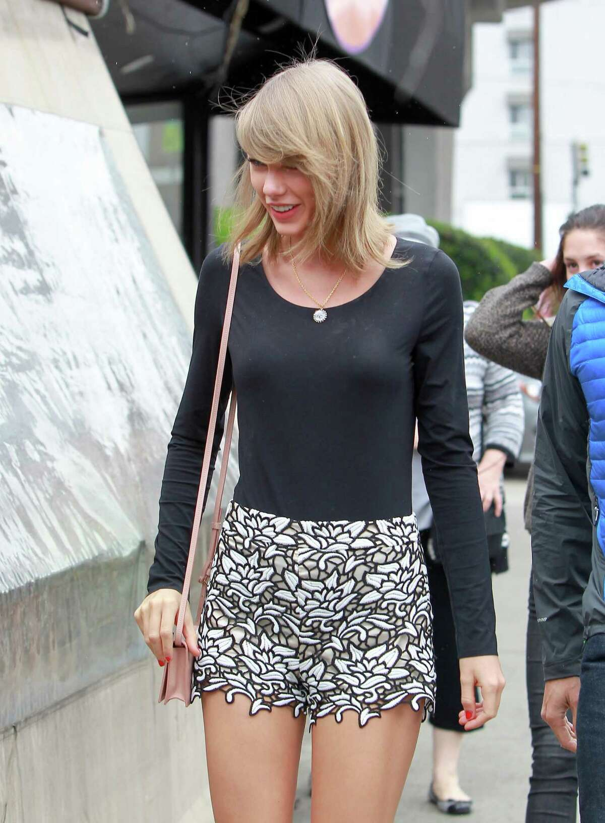 Taylor Swift is seen in Los Angeles on May 08, 2015 in Los Angeles, California.