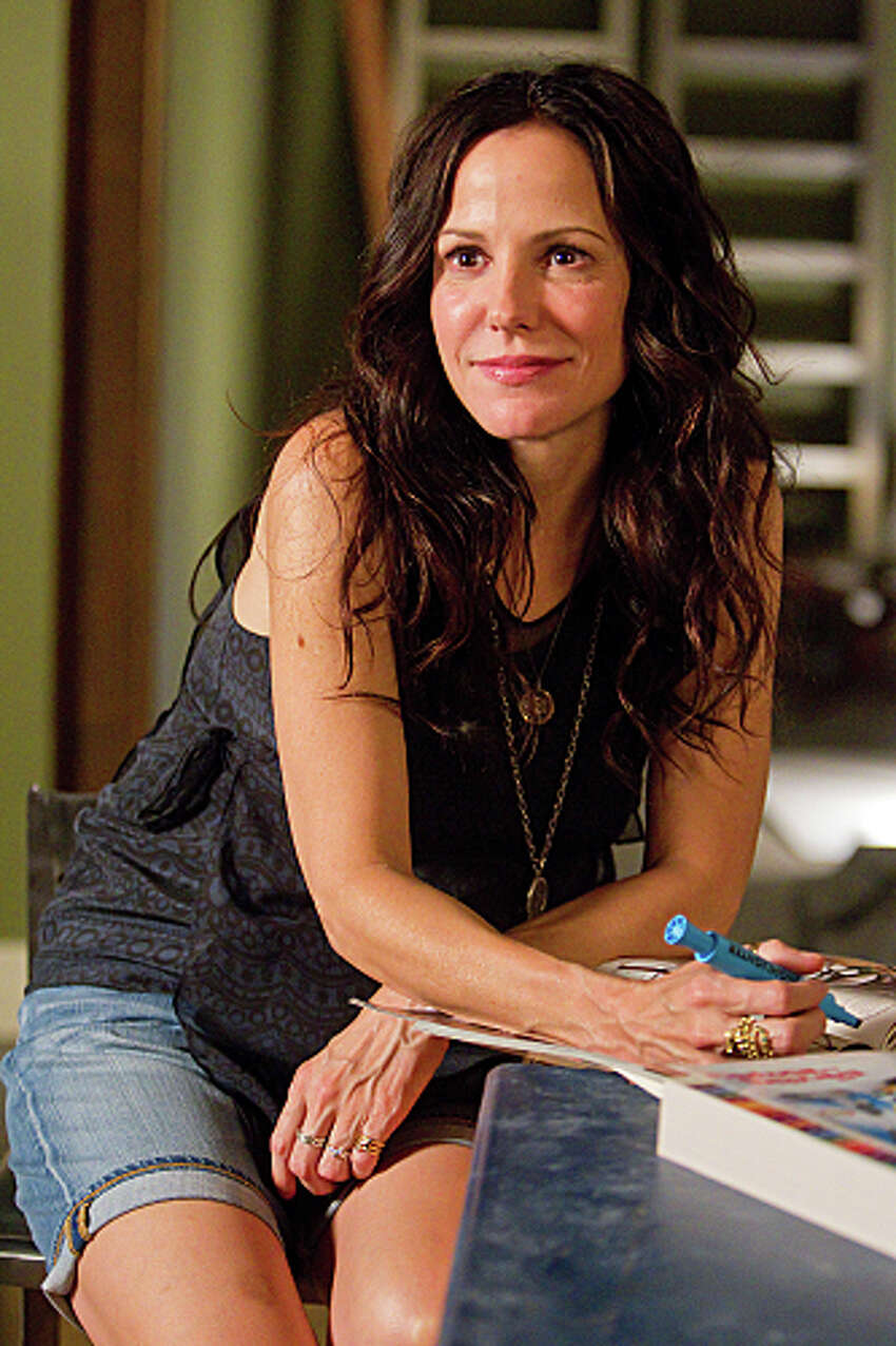 Weeds returns for its 8th season on Showtime on July 1.