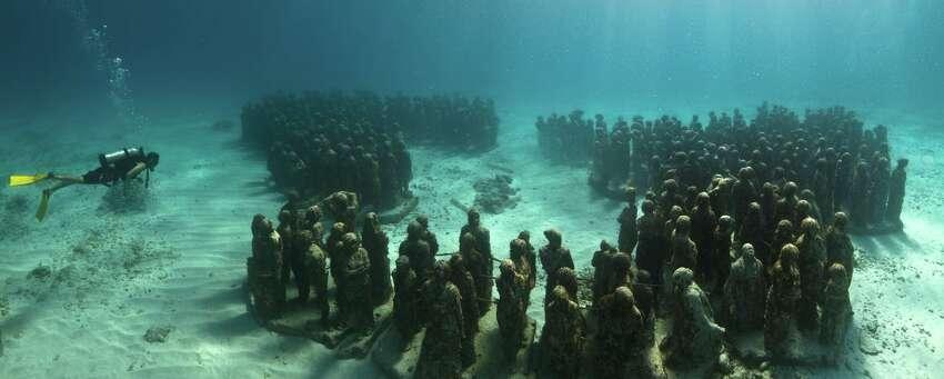 The underwater gallery of
