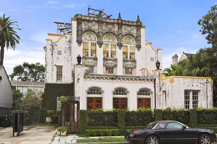 This historic New Orleans home is rumored to have been purchased by Beyonce and Jay-Z. Photo: SNAP Real Estate Photography; LLC, Zillow / SNAP Real Estate Photography .com
