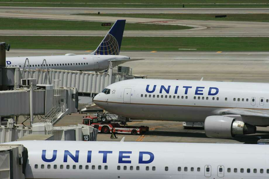 United Airlines jets at Terminal C at Bush Intercontinental Airport in April 2015. Photo: Bill Montgomery