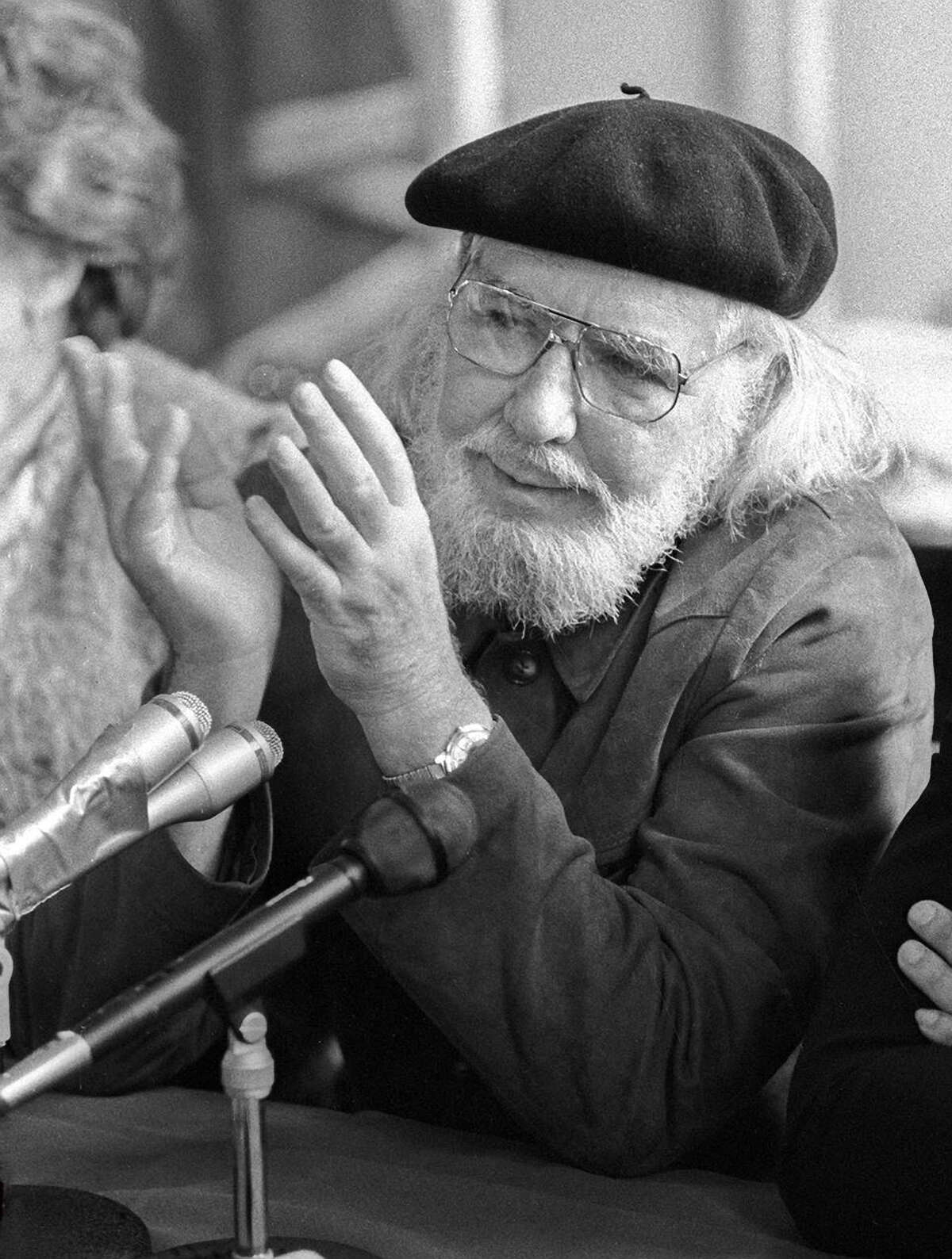 A reading by Ernesto Cardenal of Nicaragua will close the festival.