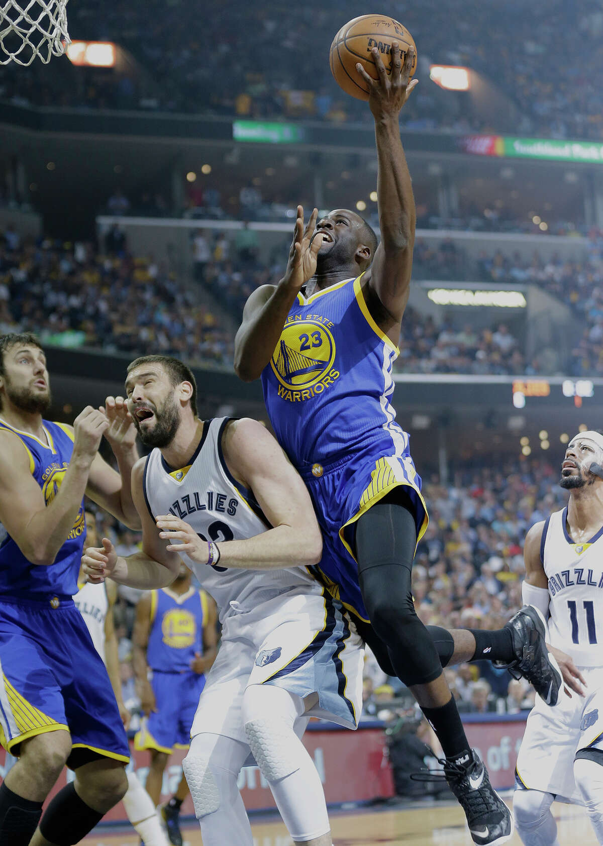 Draymond Green, coming off a 1-for-8 shooting effort, went 6-for-12 from the floor and scored 16 points in Game 4 against the Grizzlies.