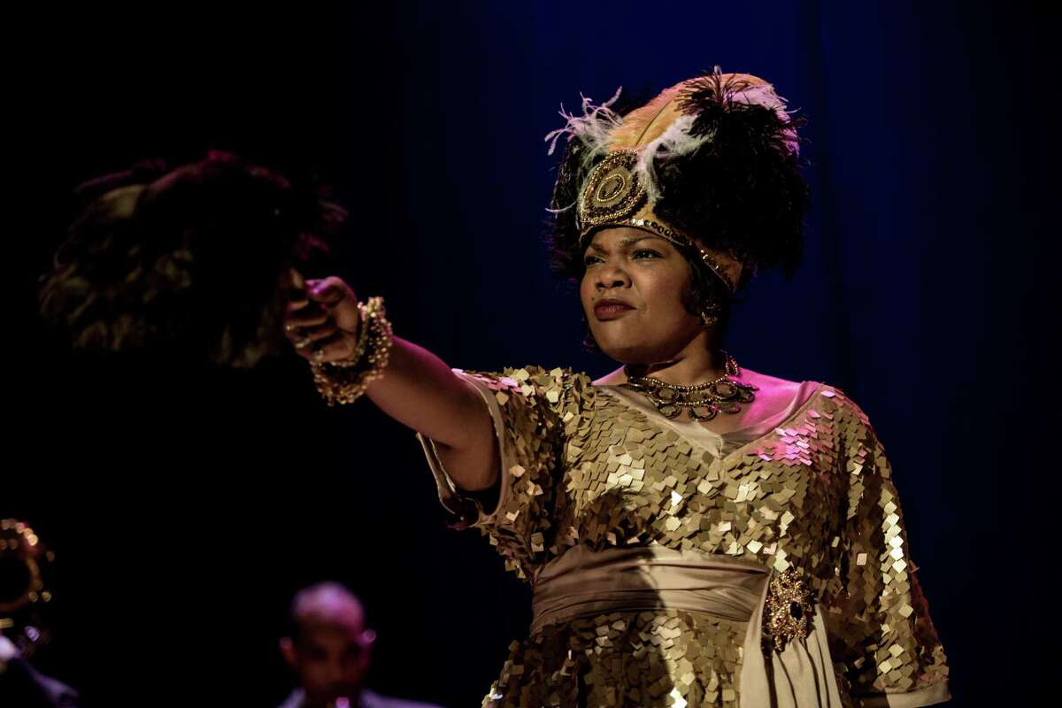 Bessie Smith's mentor and blues icon Ma Rainey (Oscar winner Mo?'Nique) adds dramatic flair onstage by waving a feather fan, another key 'Bessie' prop provided by property master Emily Ferry of S.A. May, 2015, HBO