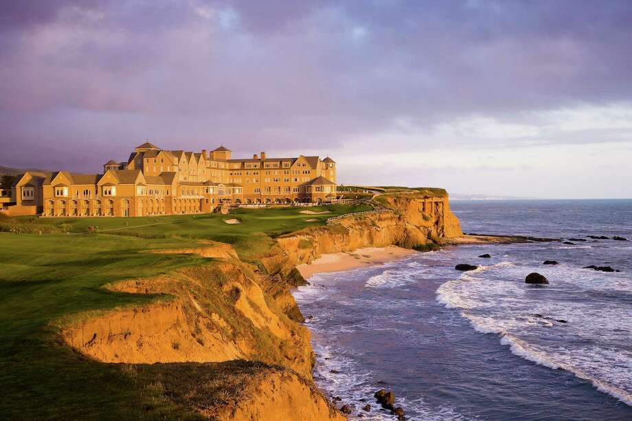 The Ritz-Carlton Half Moon Bay is dramatically sited on a rugged bluff overlooking the ocean and is home to the championship Ocean Course. Photo: Ritz-Carlton / ONLINE_YES