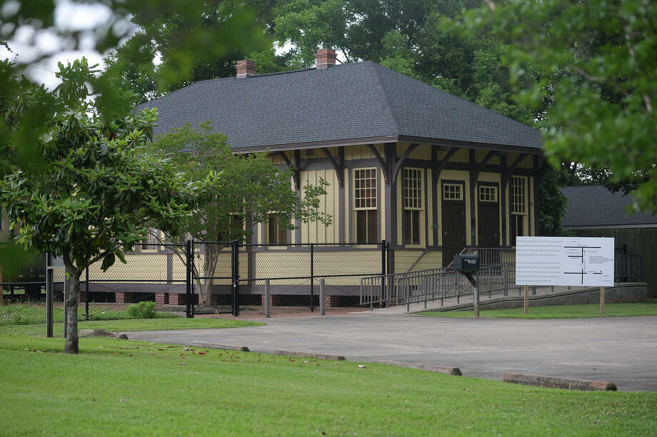 The Literacy Depot on Franklin near Martin Luther King Boulevard is expected to the future home of Spindletop Unitarian Church.    Photo taken Tuesday, May 12, 2015  Guiseppe Barranco/The Enterprise Photo: Guiseppe Barranco, Photo Editor