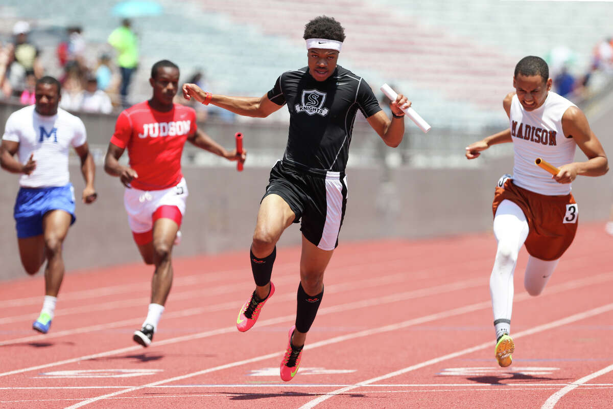 Steele's Andrew Hudson, who gave up football after his freshman year, overcame a hamstring injury to advance to state.