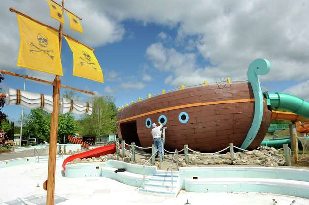 Dave Matthews of W.W. Patenaude Sons paints a ship that's part of the new Buccaneer Beach waterpark on Wednesday, May 13, 2015, at Great Escape in Queensbury, N.Y. (Cindy Schultz / Times Union) Photo: Cindy Schultz / 00031796A
