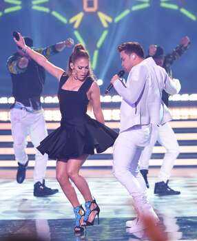 AMERICAN IDOL XIV: L-R: Jennifer Lopez and Prince Royce perform during the AMERICAN IDOL XIV season Finale airing Wednesday May, 13 (8:00-10:06 PM ET/PT) on FOX. CR: Frank Micelotta / FOX © 2105 FOX Broadcasting Co.