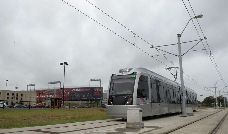 Metro will open its new Green Line along Harrisburg and Purple line along Scott, pictured, on May 23. Photo: Cody Duty, Houston Chronicle / © 2015 Houston Chronicle