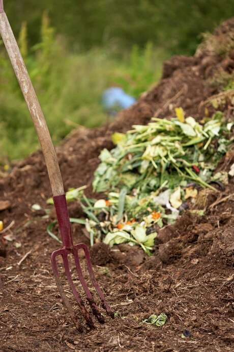 Too much moisture will slow down composting. Photo: Getty Images / Radius Images