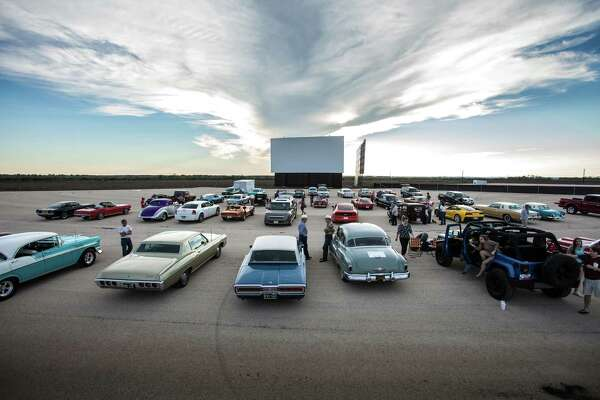 Stars Stripes Drive In Theater Now Open In New Braunfels
