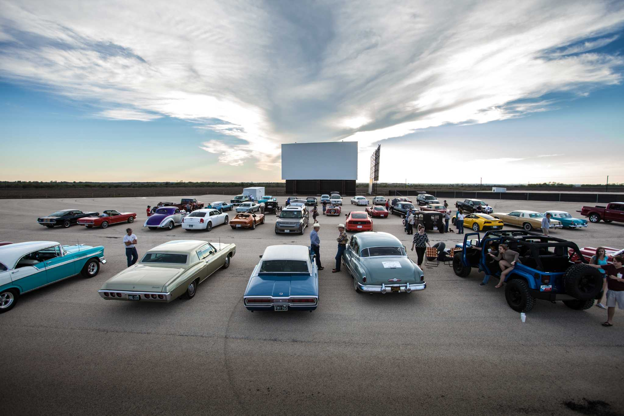 Stars Amp Stripes Drive In Theater Now Open In New Braunfels