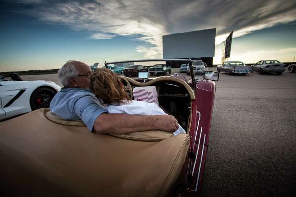 Stars Stripes Drive In Theater Now Open In New Braunfels Houstonchronicle Com