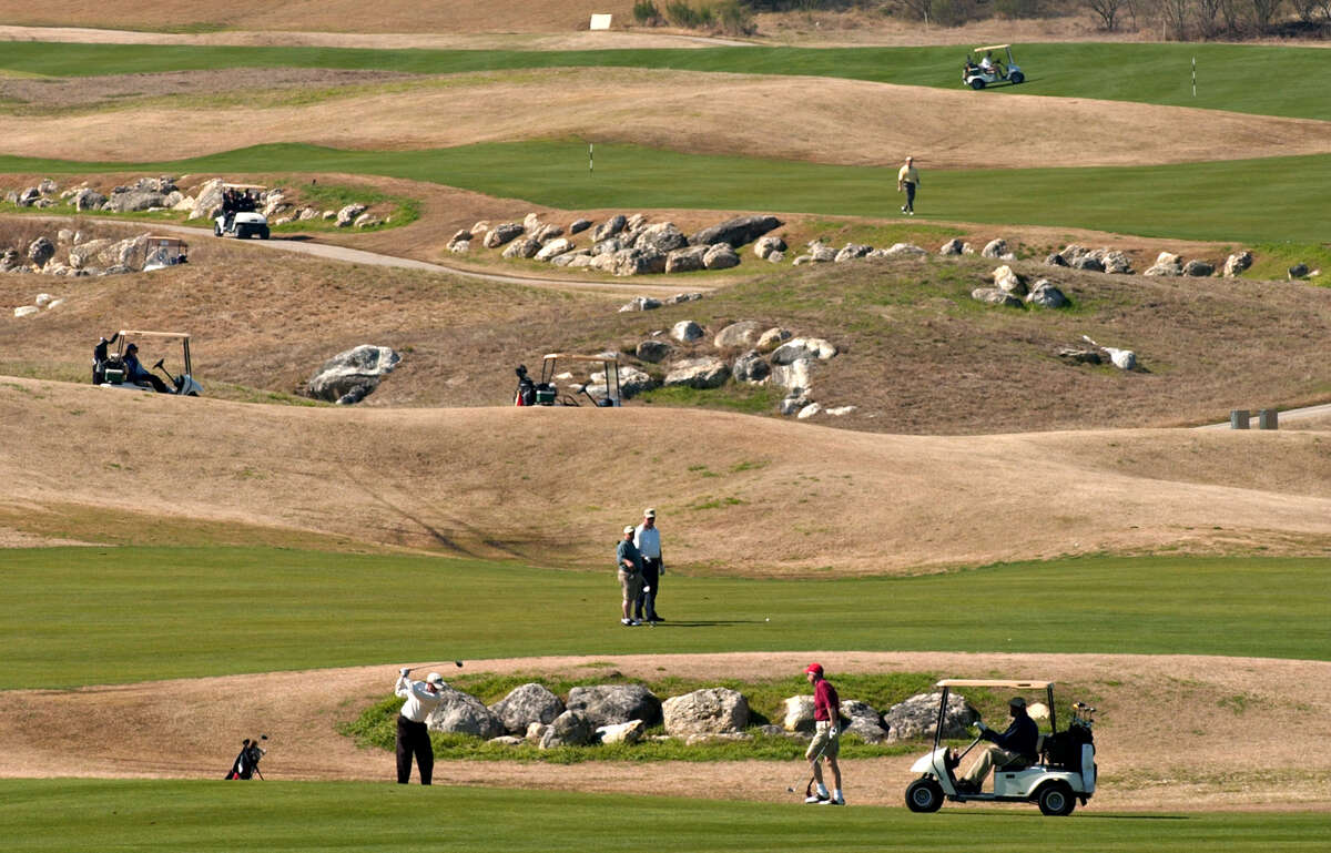 The Quarry. shown in 2004, offers link style golf on the rocks.