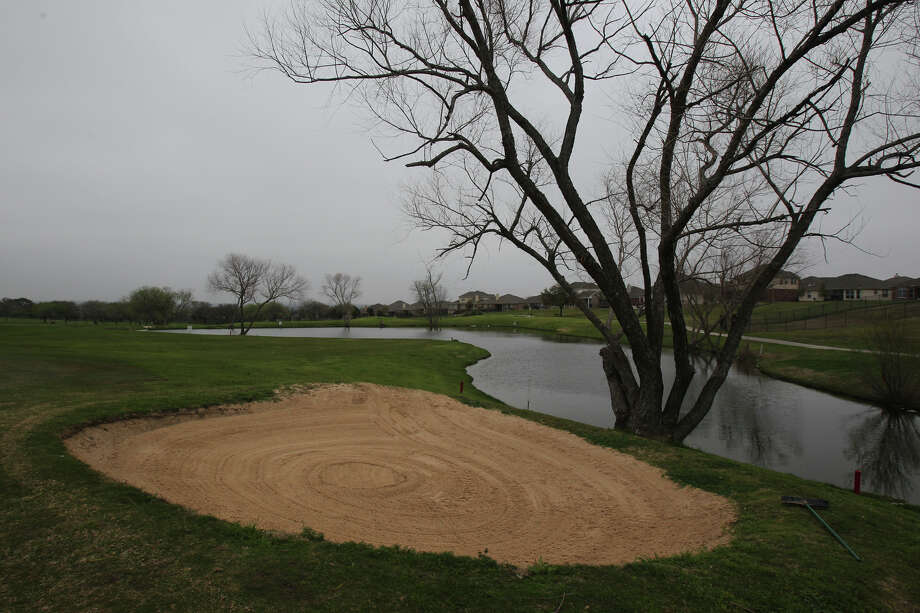 Water features like this pond near the 17th green add to the beauty of the Northcliffe Golf Club, shown in 2012. Photo: John Davenport / San Antonio Express-News / SAN ANTONIO EXPRESS-NEWS (Photo can be sold to the public)