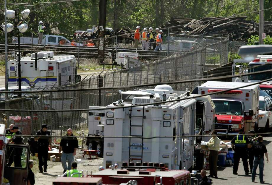 Amtrak has been installing a signal system that can prevent a train from going too fast, but it was not yet in operation where the train crashed. Experts say it probably would have averted the wreck. Photo: Mel Evans /Associated Press / Associated Press