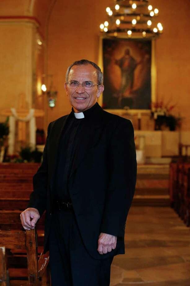 Portrait of Father David Garcia at Mission Concepcion on May 5, 2015. Photo: Kin Man Hui /San Antonio Express-News / ©2015 San Antonio Express-News