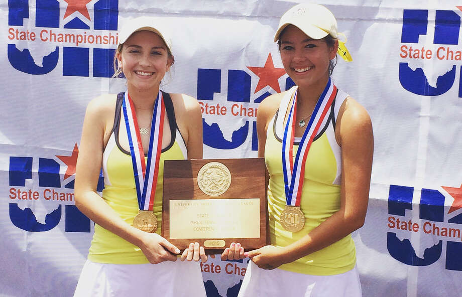 Alamo Heights' Solene Crawley (left) and Brittney Wilbur pose with their trophy after winning the UIL Class 5A girls doubles title. Photo: Courtesy Photo