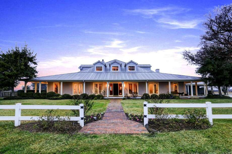 37813 FM 1488: $2,559,000/ Hempstead, TX 77445 / 181 acres Photo: Martha Turner Sotheby's International Realty