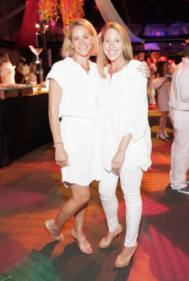 Laura Briggs and Lauren Del Balso at the Bay Area Discovery Museum's Playdate 2015: White to Bright Gala on May 8, 2015. Photo: Drew Altizer Photography / © 2015 Drew Altizer Photography