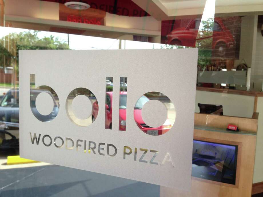 Door signage at Bollo Woodfired Pizza, a new restaurant from restaurateur Ray Salti, opening May 6 in the former Sorrel Urban Bistro space, 2202 W. Alabama. Photo: Greg Morago / Greg Morago