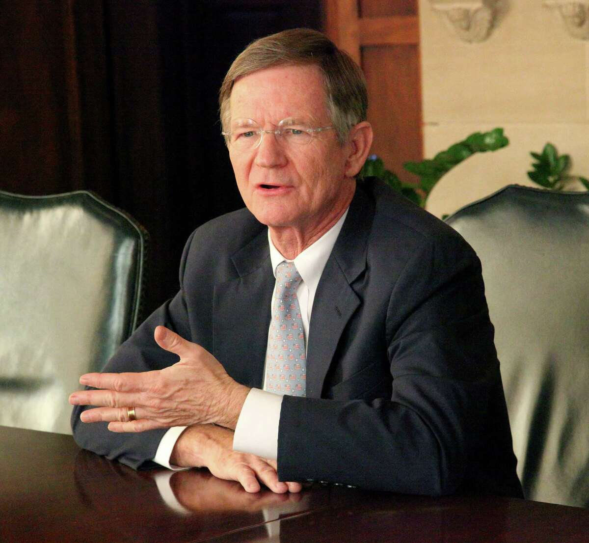 U.S. Rep. Lamar Smith is an experienced capable lawmaker. who represents the views of the conservative 21st Congressional District well.