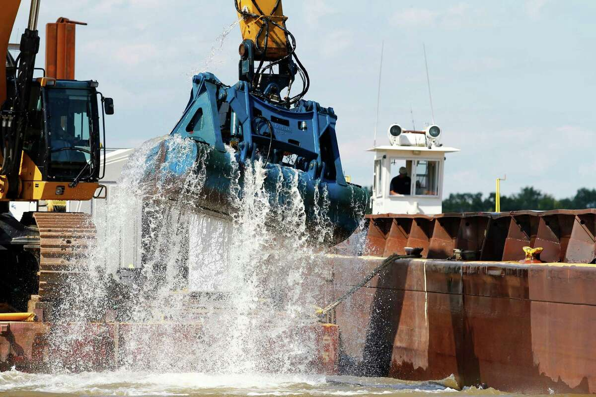 The federal Environmental Protection Agency oversaw the seven-year Hudson River dredging project by General Electric that concluded in 2015. GE, which dredged a 40-mile section of river from Fort Edward to Troy, has steadfastly maintained it has met EPA requirements that were part of a 2002 agreement.  Click through for photos of the project through the years.
