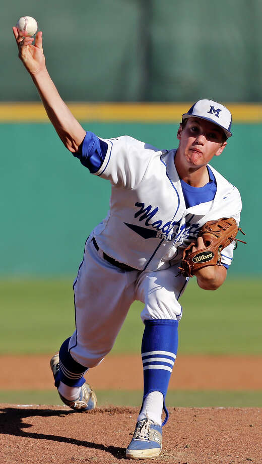 MacArthur's Josh Jung pitches against O'Connor during game 2 of the Class 6A best-of-3 second-round high school baseball playoff series Friday May 15, 2015 at Nelson W. Wolff Municipal Stadium. MacArthur won 3-1. Photo: Edward A. Ornelas, Staff / San Antonio Express-News / © 2015 San Antonio Express-News