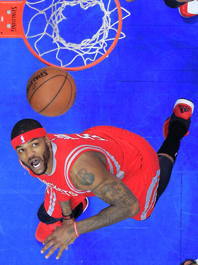 Houston Rockets forward Josh Smith keeps his eyes on the ball in Game 6 of the NBA Western Conference semifinals against the Los Angeles Clippers at the Staples Center Thursday, May 14, 2015, in Los Angeles.  ( James Nielsen / Houston Chronicle ) Photo: James Nielsen, Staff / © 2015  Houston Chronicle