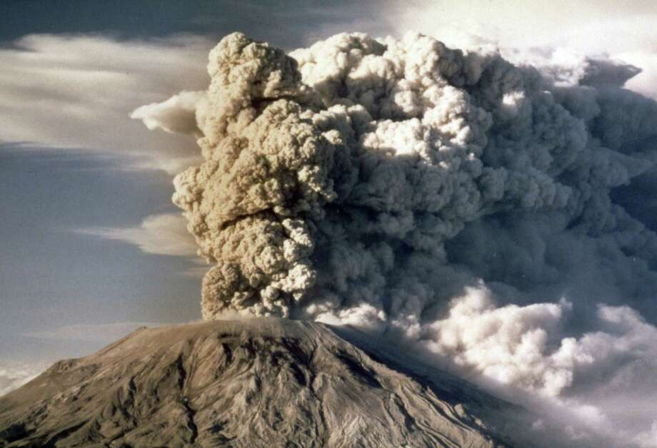 Mount St. Helens spews smoke, soot and ash into the sky after the 1980 eruption. Photo: Jack Smith /Associated Press / AP