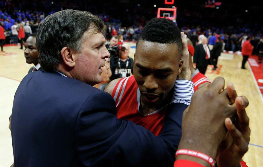 Rockets coach Kevin McHale, left, knows center Dwight Howard will have to keep his emotions in check and shake off any adversity that comes his way in Game 7. Photo: James Nielsen, Staff / © 2015  Houston Chronicle