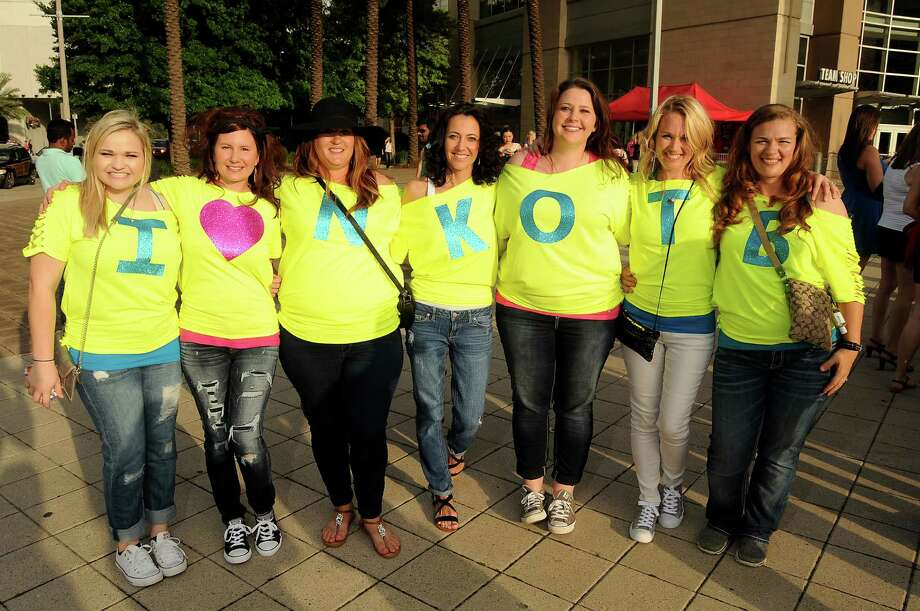 "Fans outside at the NKOTB's ""The Main Event"" tour at Toyota Center Saturday May 16, 2015.(Dave Rossman photo) Photo: Dave Rossman, For The Chronicle / Freelalnce"