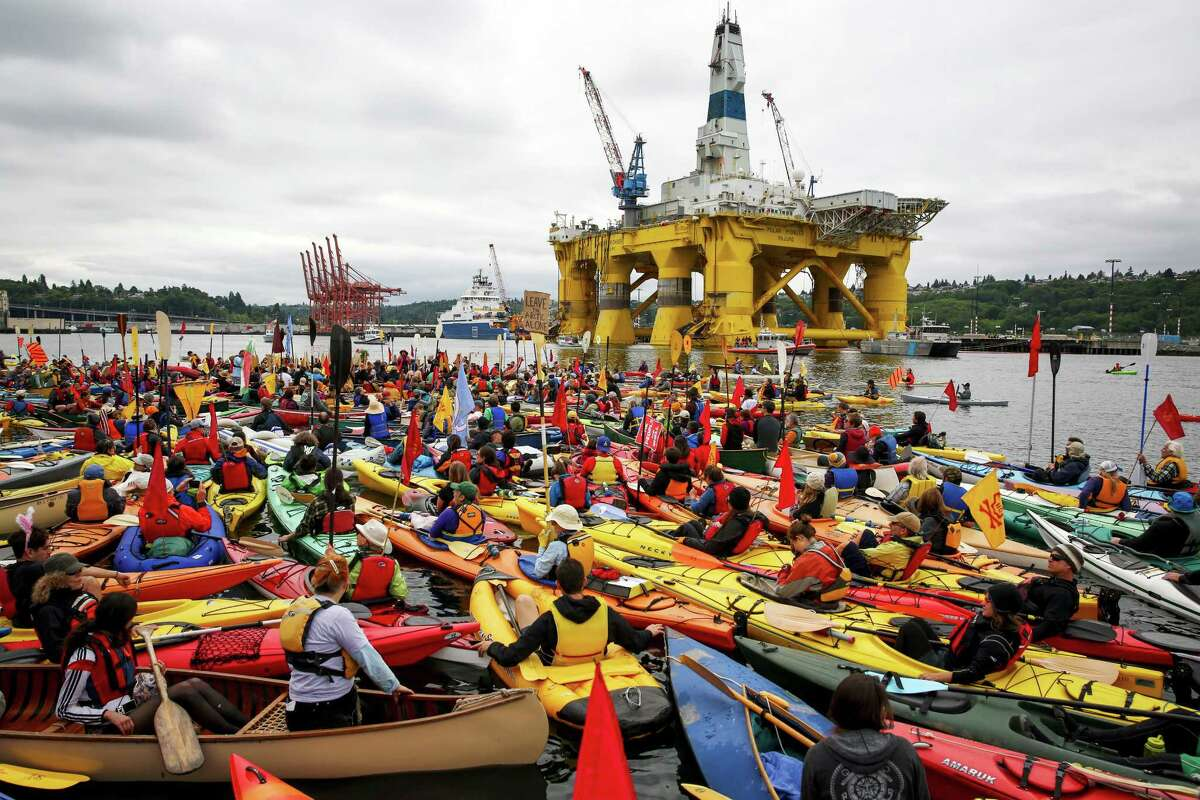 The anti-Shell protests:Swarming