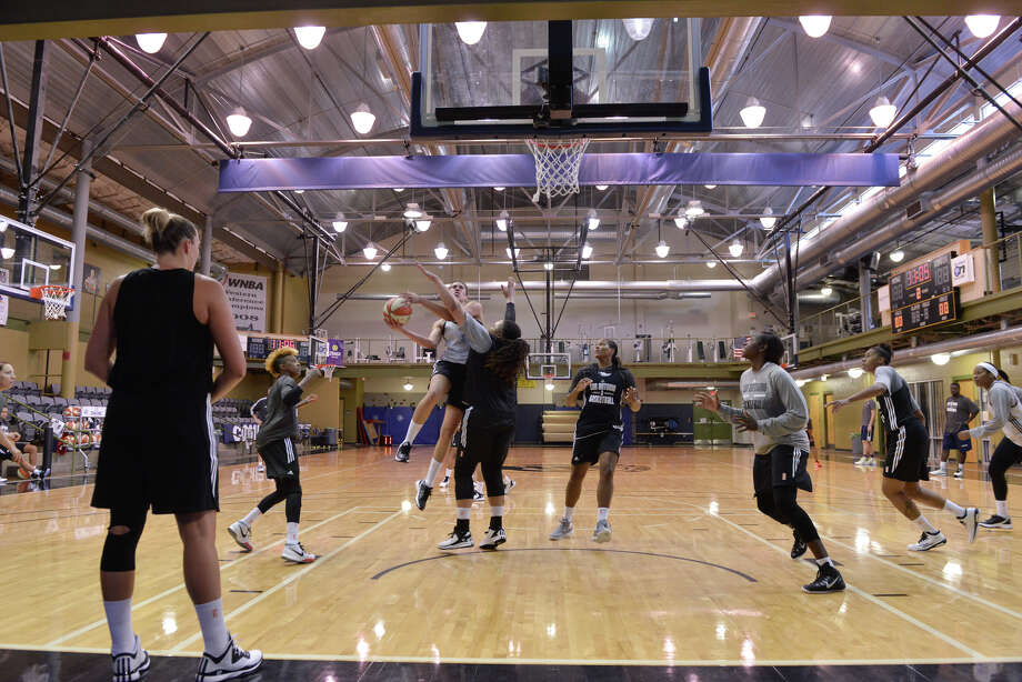 The San Antonio Stars opened training camp for the 2015 season Sunday afternoon. Photo: Robin Jerstad / San Antonio Express-News