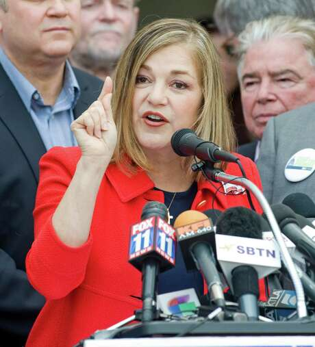 California Rep. Loretta Sanchez, D-Santa Ana, announces her candidacy for U.S. Senate during a news conference, Thursday, May 14, 2015, at the Santa Ana Regional Transportation Center in Santa Ana, Calif. The announcement in her home district in Orange County will dramatically reshape a 2016 race that was developing into a runaway for state Attorney General Kamala Harris, another Democrat who has had the Senate field virtually to herself for months.  (Sam Gangwer/The Orange County Register via AP)   MAGS OUT; LOS ANGELES TIMES OUT; MANDATORY CREDIT Photo: Sam Gangwer, MBI / The Orange County Register