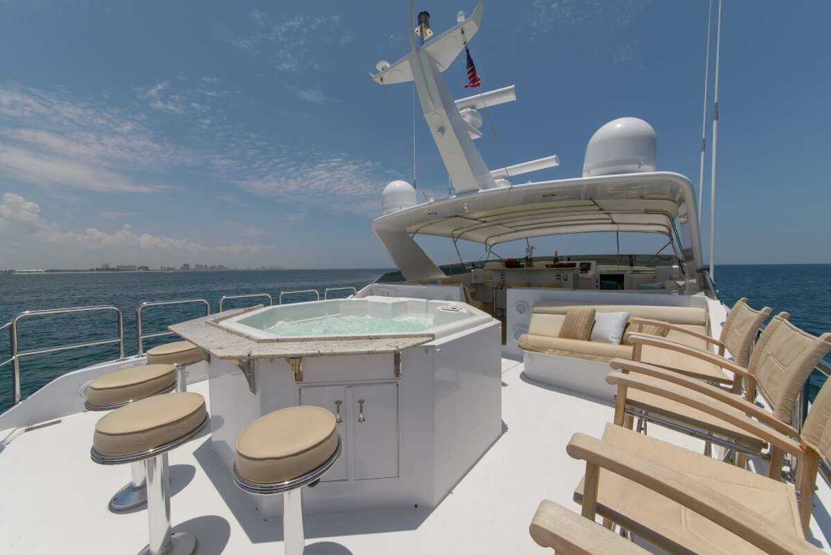 The sundeck and jacuzzi on the Perfect Lady.