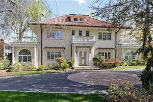 Real 'Great Gatsby' house for sale - Photo