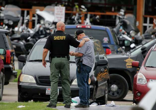 Nine killed in deadly biker gang shootout - San Antonio