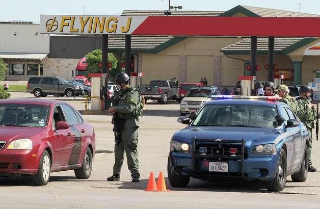 Nine killed in deadly biker gang shootout - San Antonio