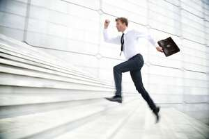 Tips for dealing with an overly eager employee - Photo