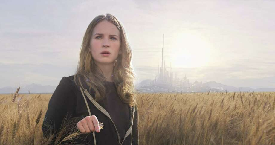 Disney's TOMORROWLAND Casey (Britt Robertson)  Ph: Film Frame ÂDisney 2015