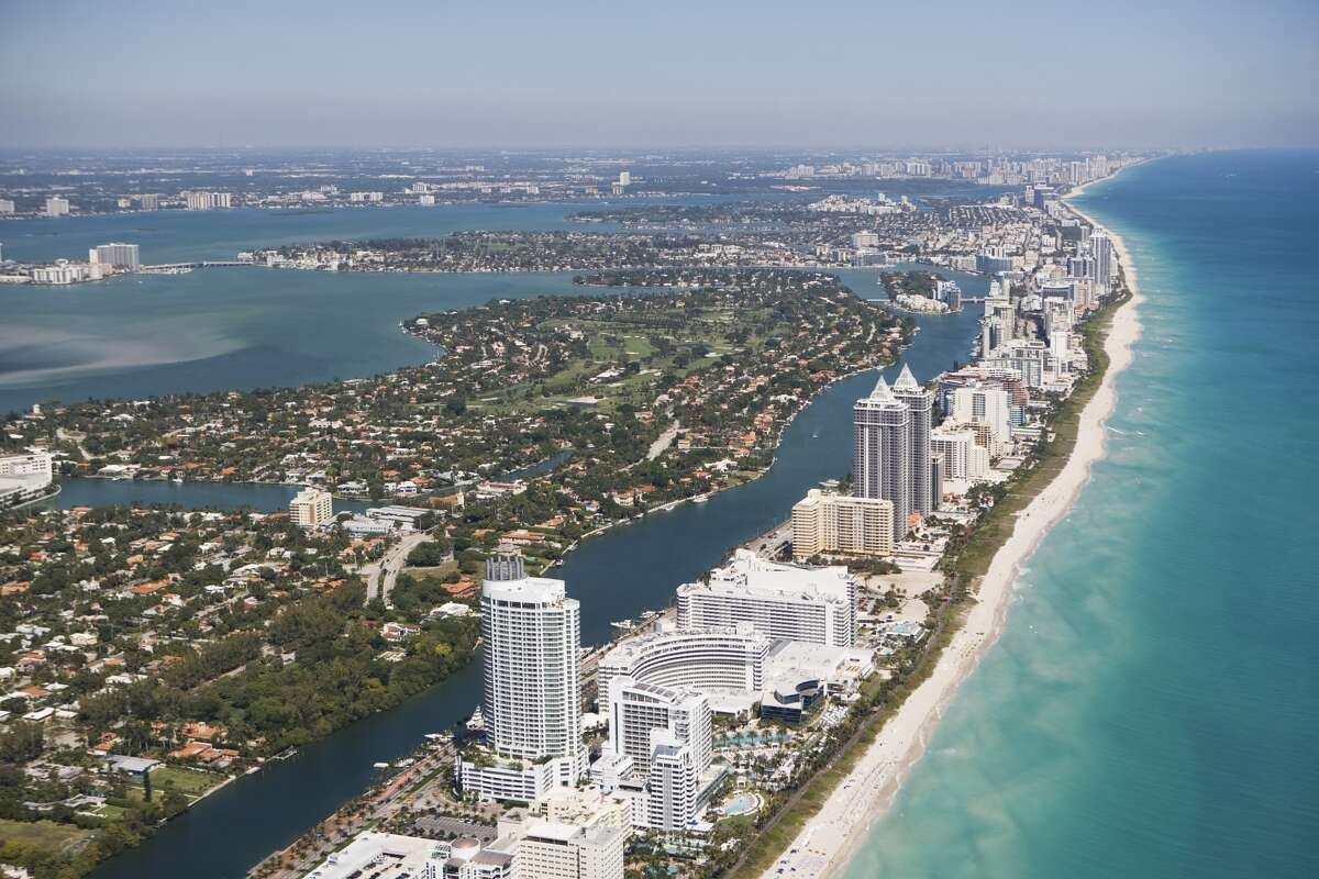 3. Florida 6,760 Floridians move to Harris County a year, according to Census estimates.