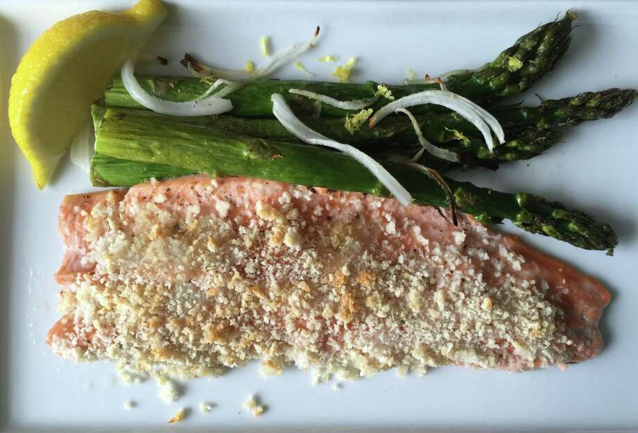 Trout and asparagus are perked up with lemon Photo: Amanda Gold / ONLINE_YES